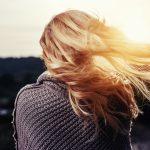 Blonda, roscata sau bruneta? Cum faci cea mai buna alegere