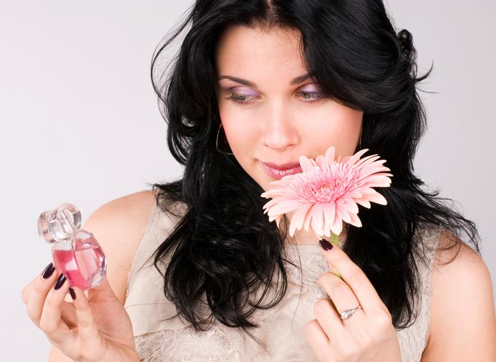 Prepara-ti singura parfumul preferat
