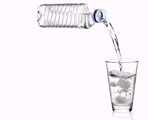De ce 2 litri de apa pe zi?