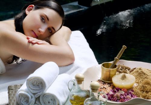 8 uleiuri aromatice esentiale pentru sanatatea ta