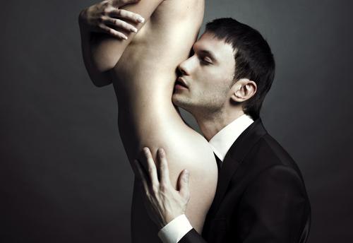 http://localhost/femeia/wp-content/uploads/2012/03/21/despreelic1.png