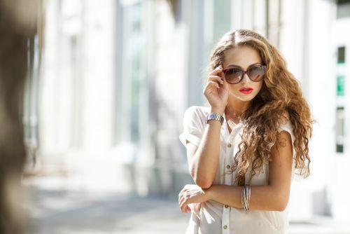 Ochelarii de soare – moft sau necesitate?