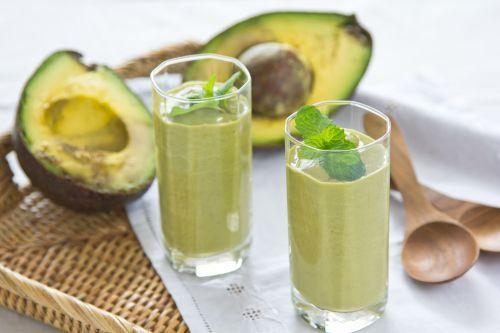 http://localhost/femeia/wp-content/uploads/2013/08/16/smoothie-avocado.jpg