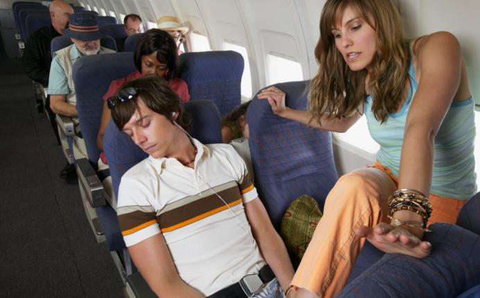 Codul bunelor maniere in avion