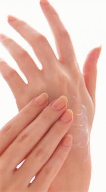 http://localhost/femeia/wp-content/uploads/2013/09/23/hands-20women-s-20hands-20lotions.jpg