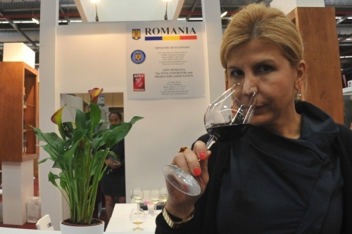 "Aurelia Visinescu: Femeile sunt mai ""inzestrate"" senzorial decat barbatii"