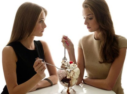 http://localhost/femeia/wp-content/uploads/2013/10/10/women-eating-ice-cream.jpg