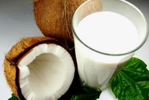 http://localhost/femeia/wp-content/uploads/2013/10/25/coconut-milk-1.jpg
