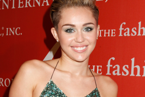 http://localhost/femeia/wp-content/uploads/2013/11/04/miley-cyrus.png