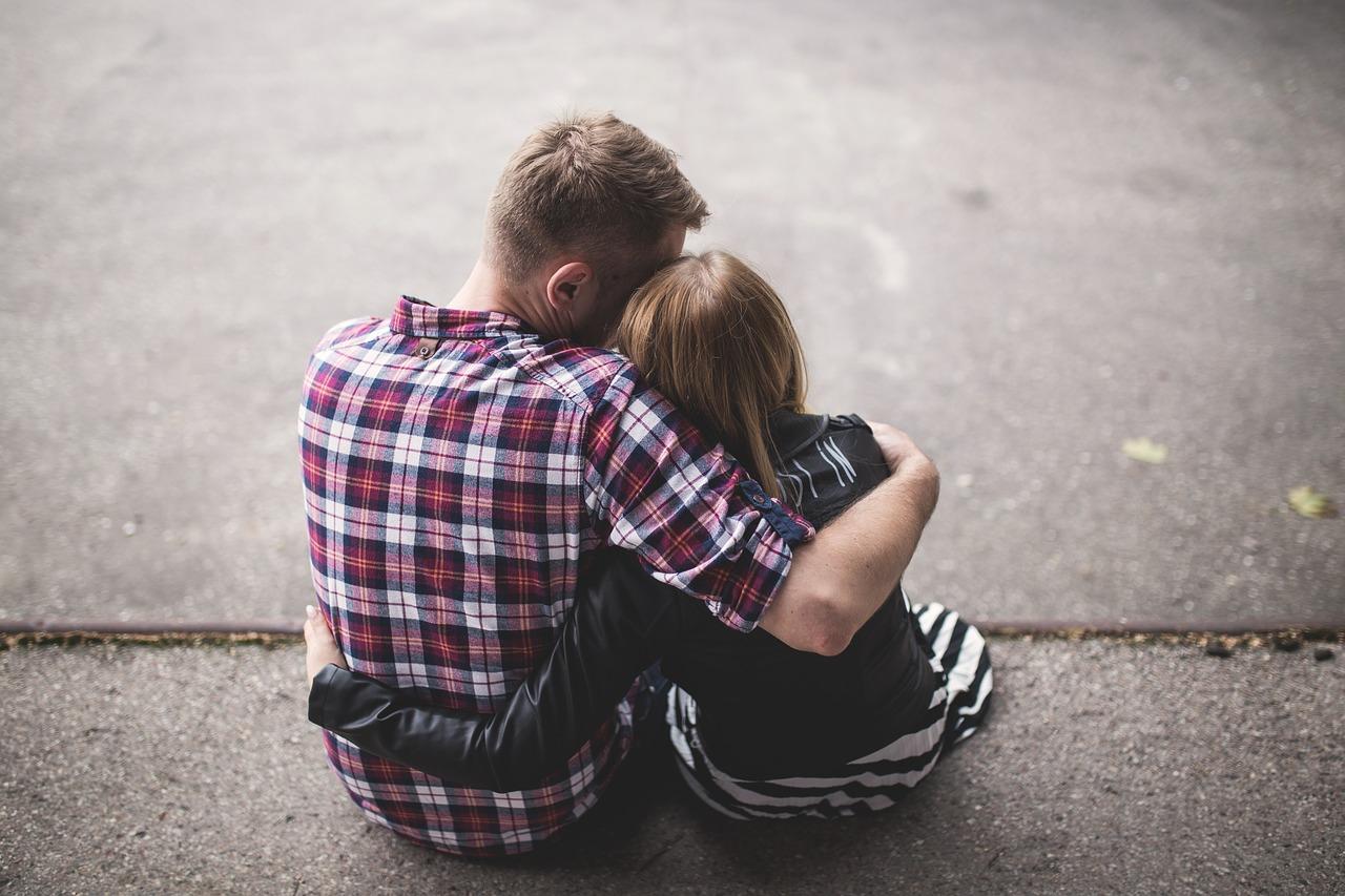 dating o fată într- o relație deschisă
