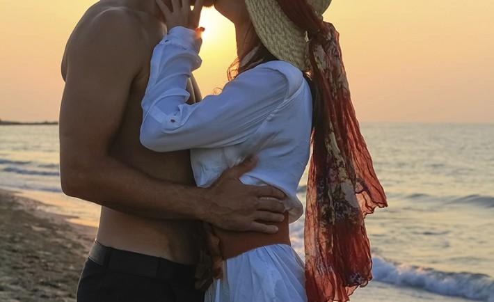 T cuplu vara dragoste plaja