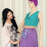 Emilia Constantin e fata care pictează rochii