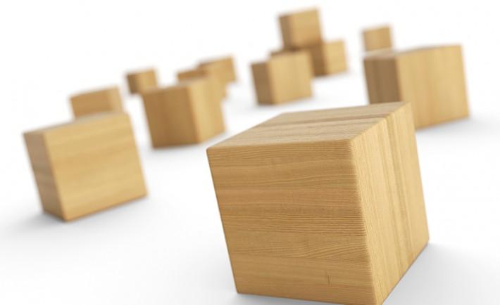 Verteilte Holzkltze isoliert 5