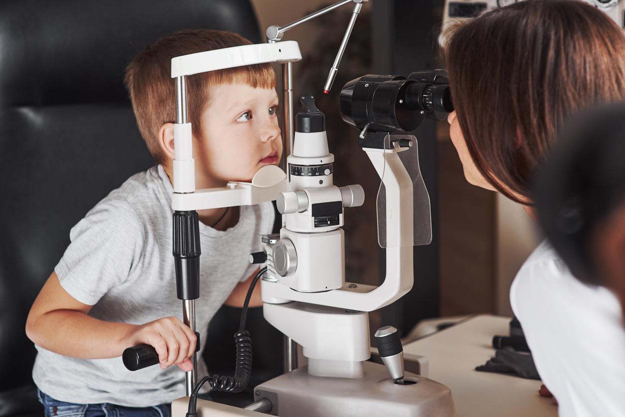 copil oftalmolog