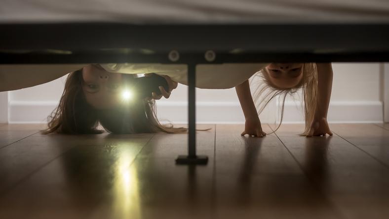 monstru sub pat