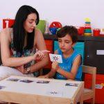 Oameni în slujba celor ce au nevoie: Umbra copiilor cu autism