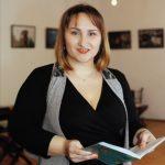 Crina Morteanu: Până în 2000 eram țigancă, de-atunci sunt romă