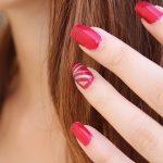 Revărsare de culori pe unghii