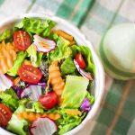 Dieta Paleo: mănânci, slăbești, te vindeci