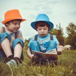 Sfaturi pentru părinți: Cum să vă convingeți copiii să nu renunțe la citit în vacanța de vară