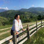 Laura Nicolau: Ia este parte din familie, nu trend