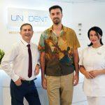 (P) Liviu Teodorescu la stomatolog, la clinica Unident din Tulcea