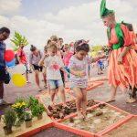 30.000 de copii și părinți la Școala de SuperEroi Itsy Bitsy