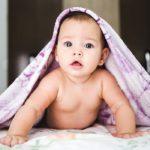 Proaspătă mămică? Iată ce haine pentru nou născuți nu ar trebui să îți lipsească iarna aceasta
