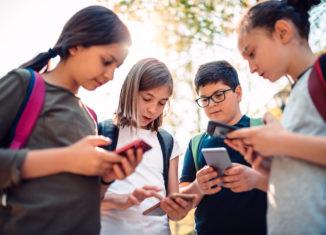 Copilul tău e în siguranță pe internet? 10 sfaturi pentru părinți