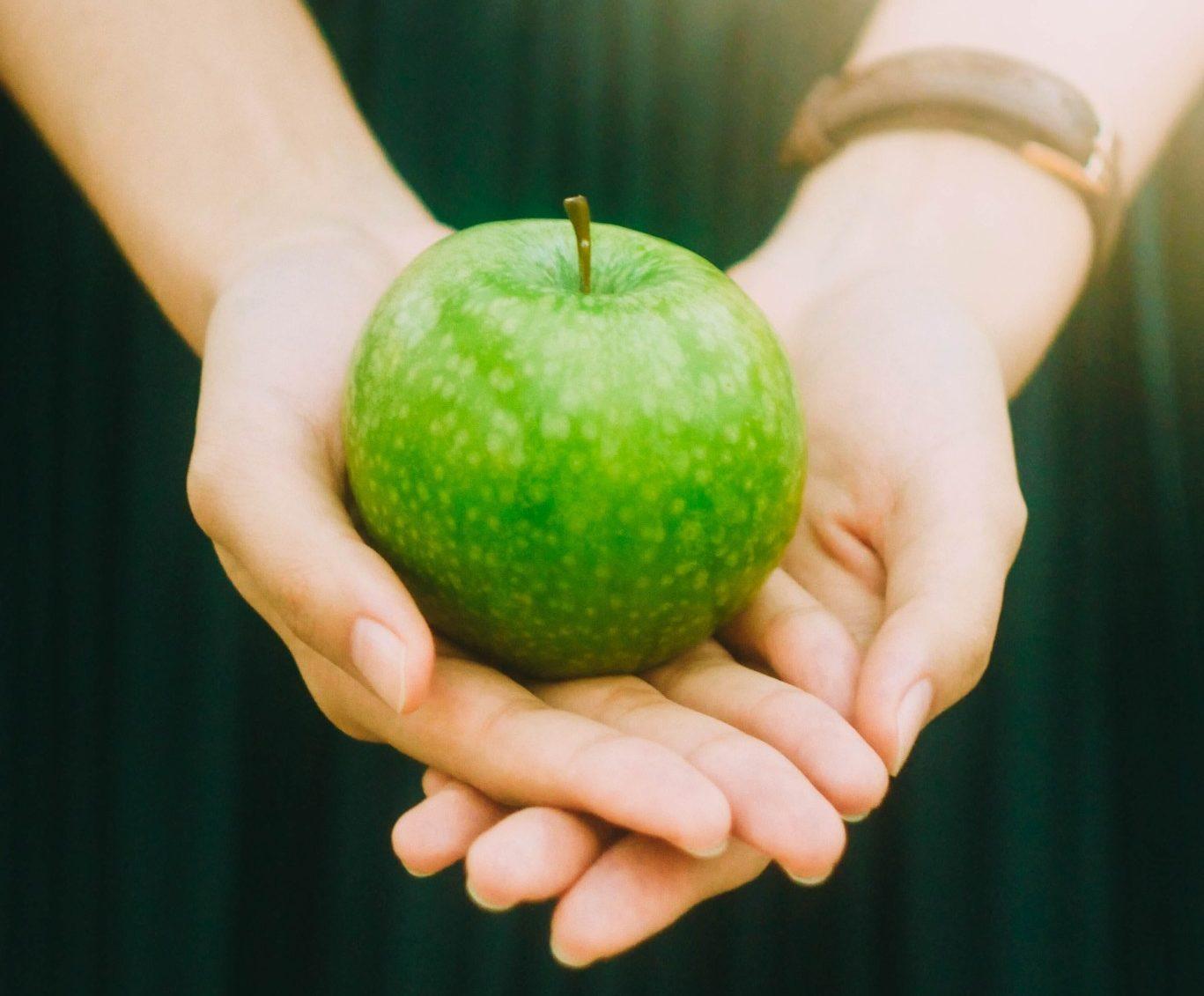 femeie cu un mar verde in mana, Impactul regilului alimentar