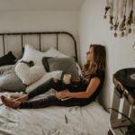 Cum amenajezi dormitorul unei adolescente, astfel încât să îi placă?