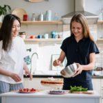 (P) 3 idei pentru decorarea rapidă a unui tort de casă